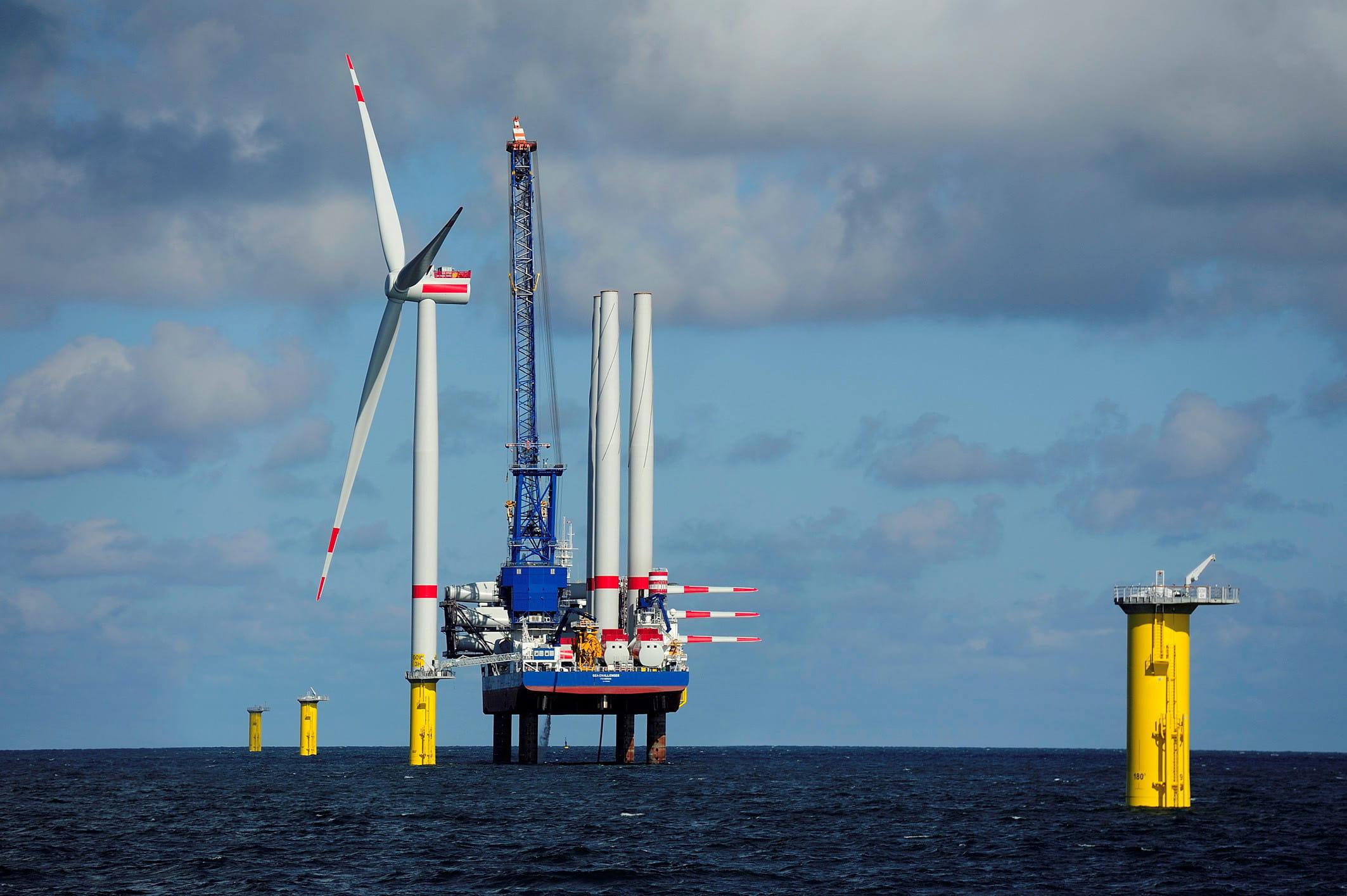 Installation einer Windkraftanlage in Gode Wind