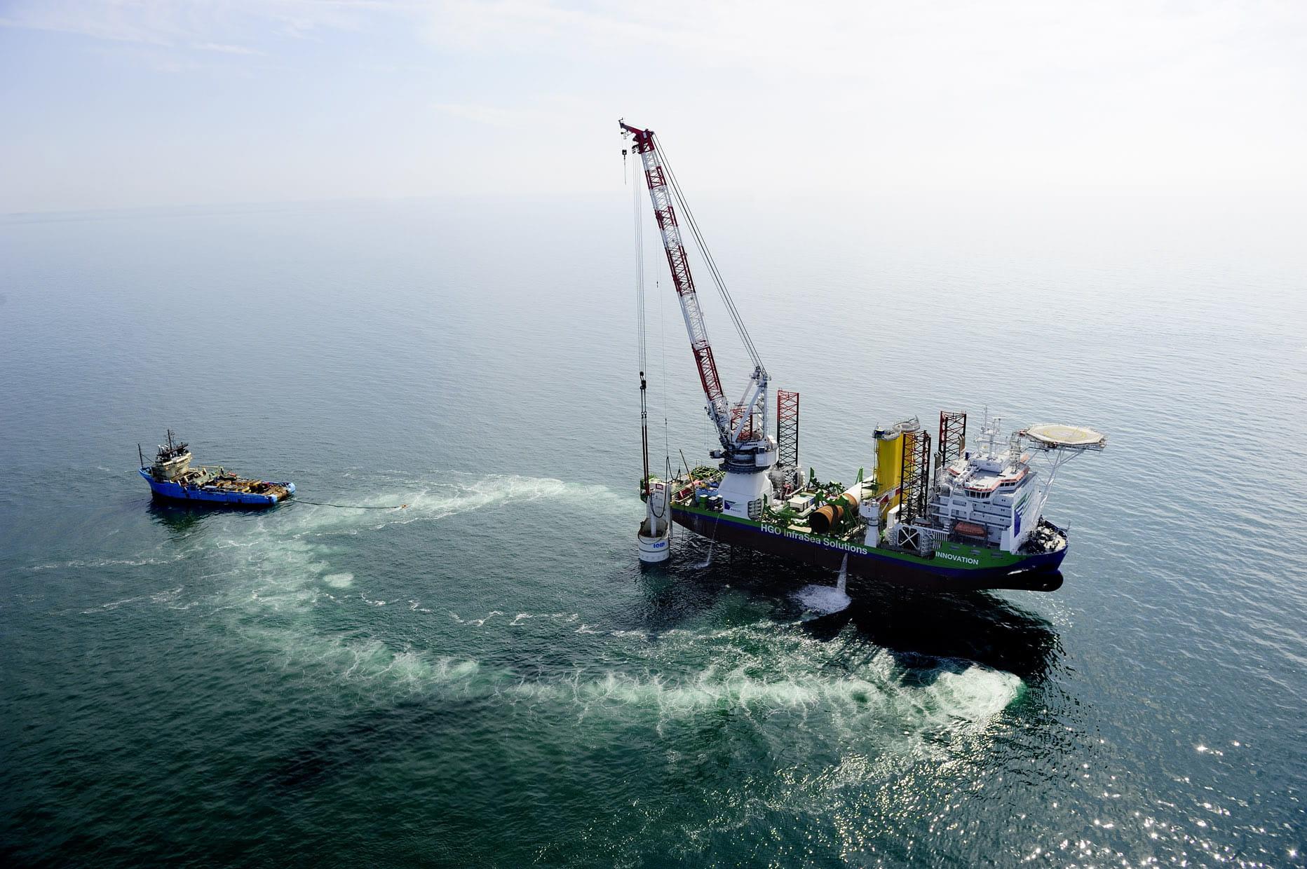 Einsatz eines Blasenschleiers (GBS) im Offshore-Windpark Gode Wind für den Schallschutz.