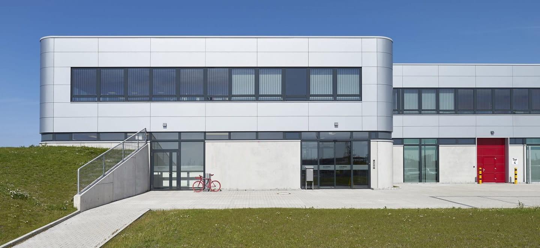 Nachhaltige Betriebs- und Wartungsgebäude